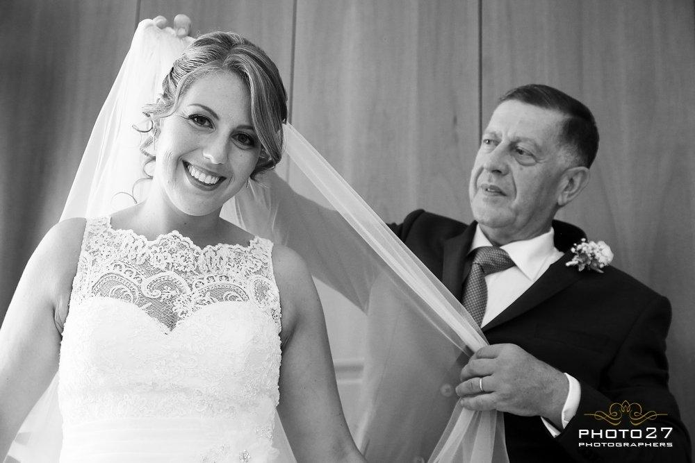 L&S_photo27_alice_atwork_aliceweddingplanner_bride_father